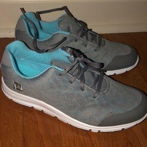 Women's Golf Shoes. Brand new never worn!